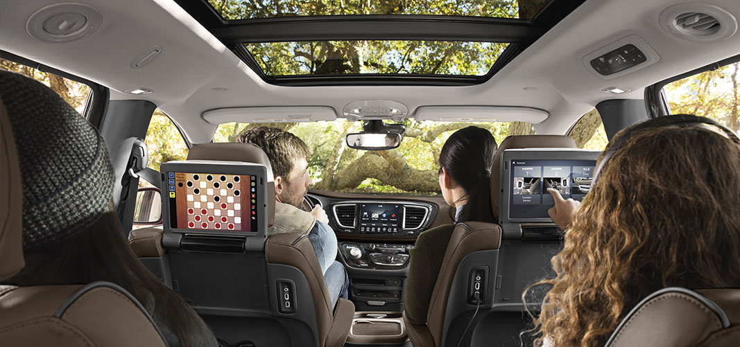 pacifica features interior tile 1