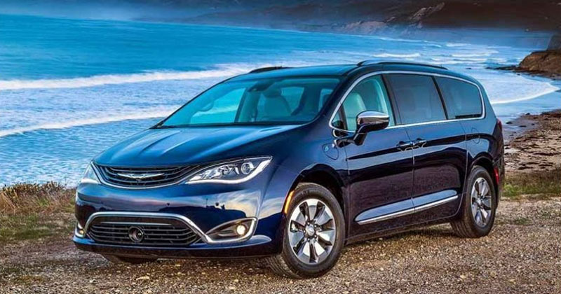Chrysler Pacifica Hybrid 2017 y el video de los Cerdos